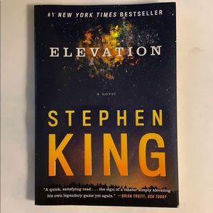 Stephen King's Elevation Novel/Book